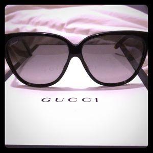 Gucci 3539/s oversized cat eye sunglasses